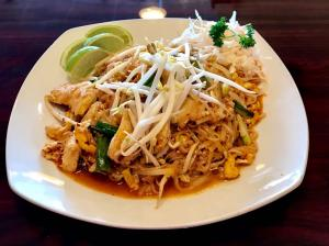 Pad Thai - Em-On's Thai Cafe